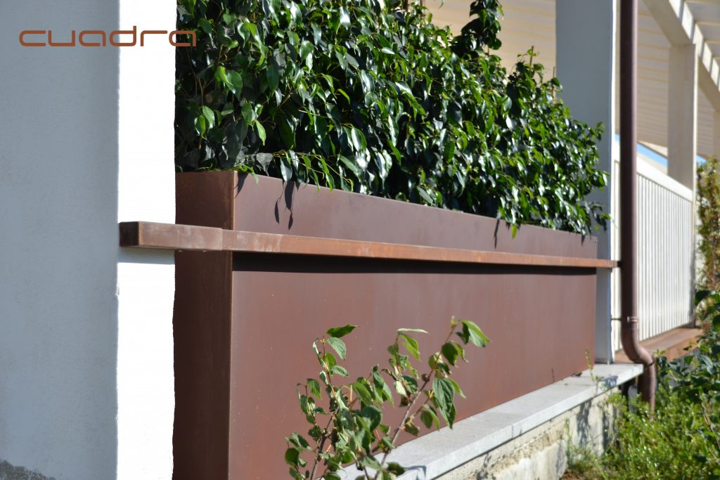 Flower boxes in corten steel