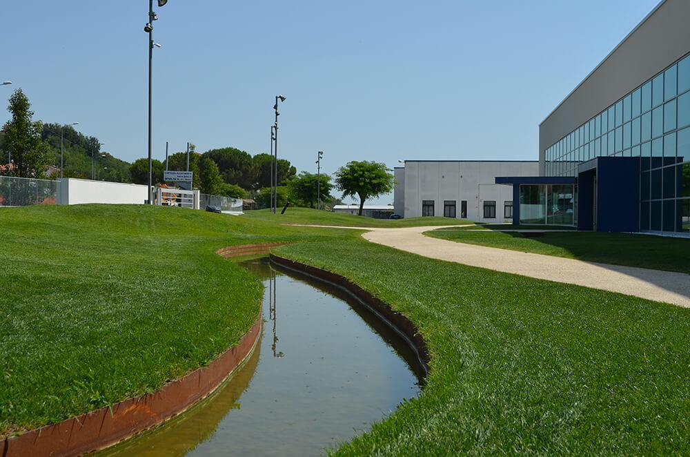 channels drain and garden borders in corten