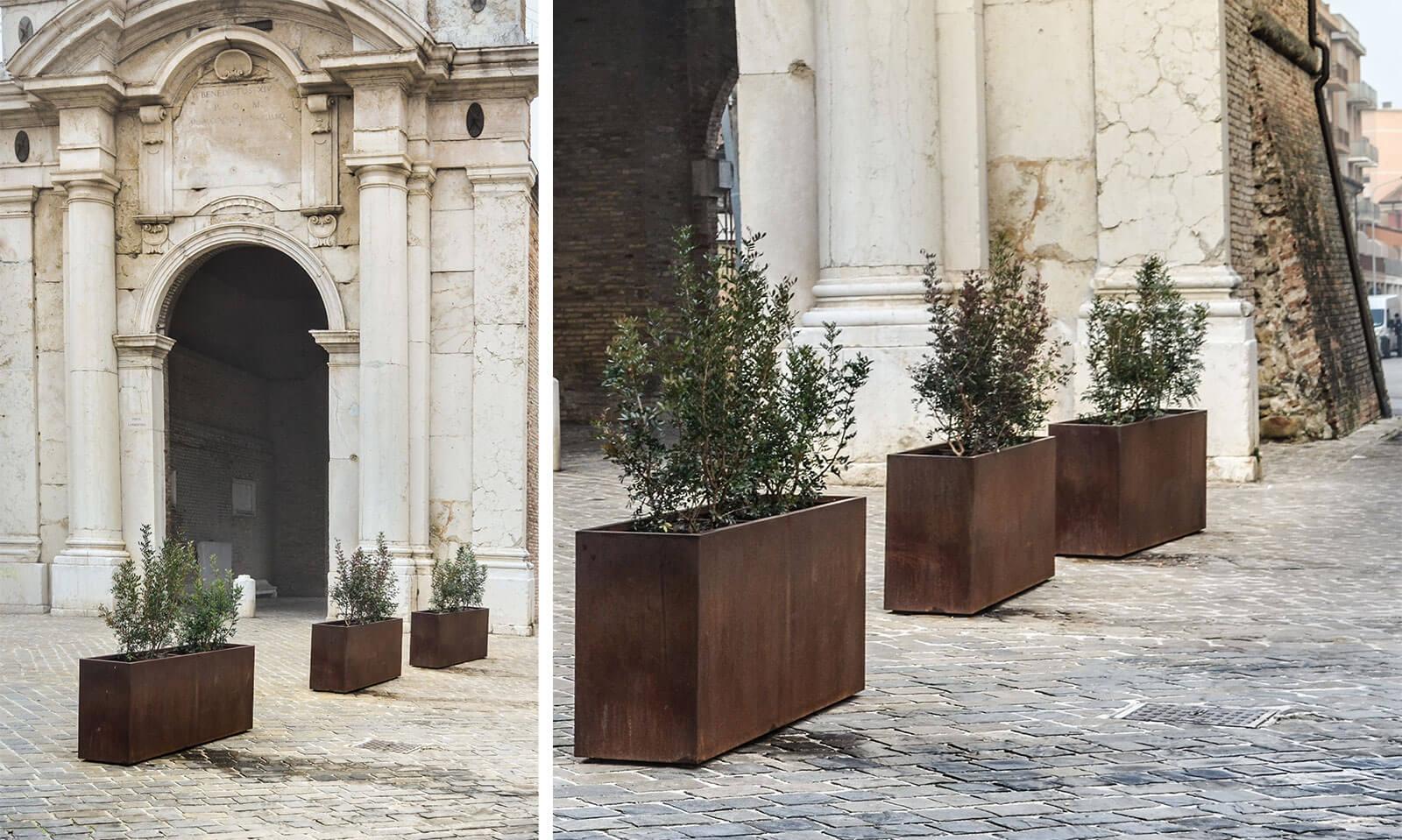 rectangular antiterrorist planters in Senigallia