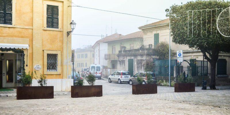 barriere antiterrorismo a protezione della piazza di senigallia
