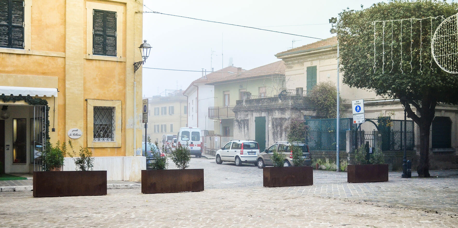 Anti-terrorism barriers to protect Senigallia's Square
